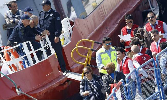 686530-migrants-greece-turkey.jpg