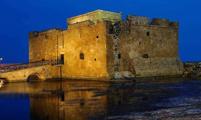 690742-pafos_castle.jpg