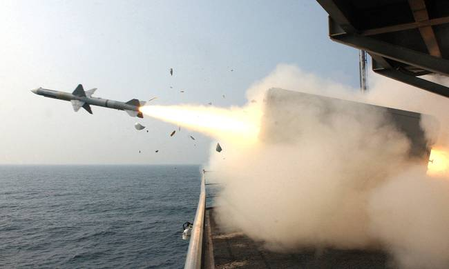 696541-missile_launch.jpg