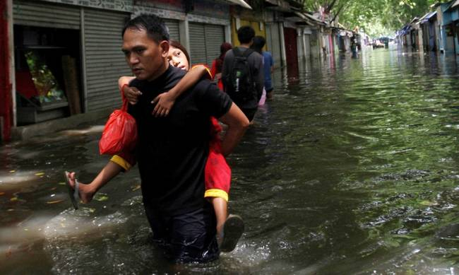 706275-indonesia_floods.jpg
