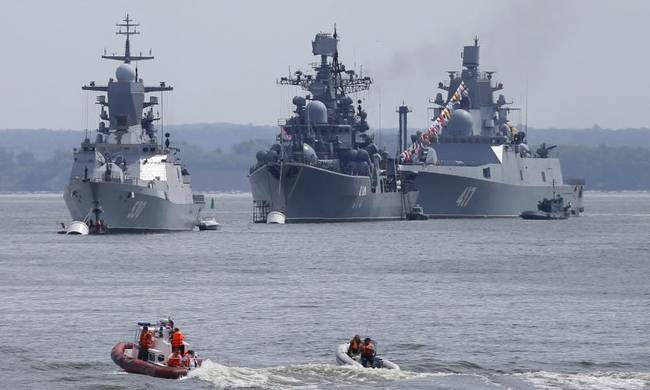 709212-russian-ships-baltic-sea.jpg