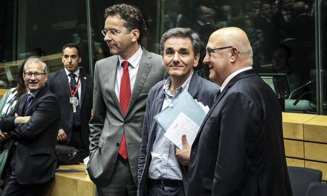 712258-eurogroup-tsakalotos.jpg