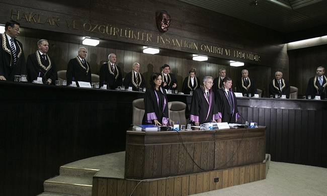 713664-turkish_judges2.jpg