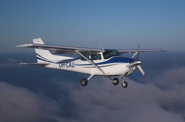 cessna-172-flying-m0a-630x418