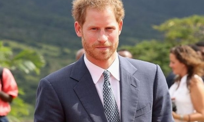 460729-prince-harry-meghan-markle-girlfriend-cheating-rumors-loves-older-woman-9.jpg