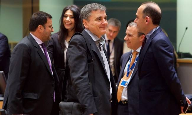 778874-tsakalotos_eurogroup.jpg