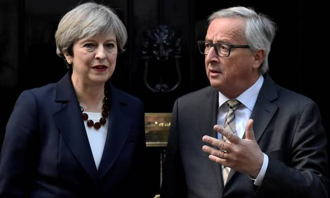788579-may-juncker-downing.jpg